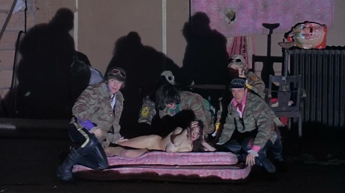 Violada en casa pelicula - 3 part 8